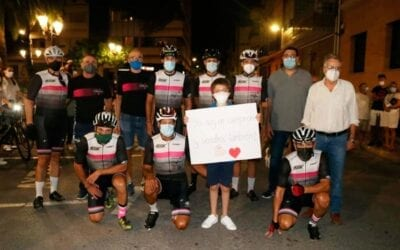 """El """"Repte Solidari 400km per Roberto"""" conclou a Albal després de 14 hores amb bicicleta"""