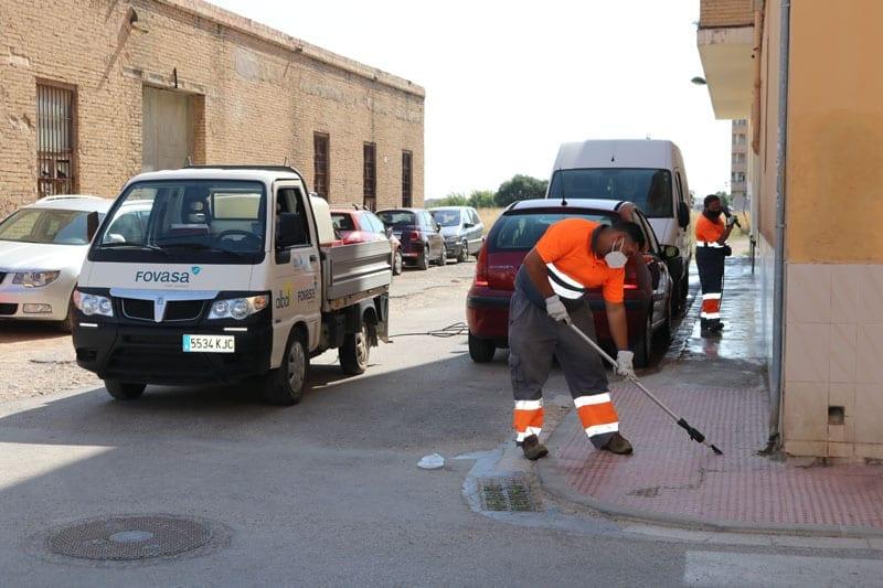 Albal realitza una neteja extraordinària de les voreres del municipi