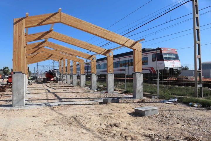 Comença la construcció de les cobertes dels edificis de passatgers de l'estació de tren d'Albal