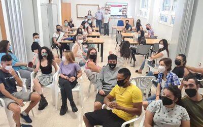 L'Escola Municipal d'Adults ha iniciat hui el curs amb 260 estudiants