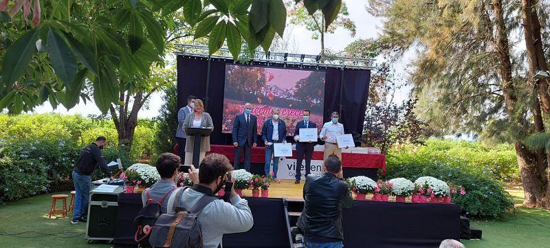 El municipio revalida el galardón de 'Viles en Flor', con tres flores